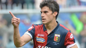 Genoa's Diego Perotti celebrates after scoring the 2-0 goal during the Italian Serie A soccer match between Genoa and Cesena at the Luigi Ferraris stadium in Genoa, Italy, 26 april 2015. ANSA/LUCA ZENNARO