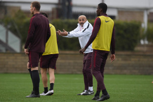 ROME, ITALY - JANUARY 14:  New coach of AS Roma Luciano Spalletti leads his first training session on January 14, 2016 in Rome, Italy.  (Photo by Luciano Rossi/AS Roma via Getty Images)
