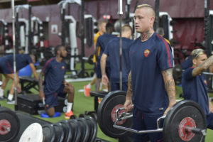 CAMBRIDGE, MA - JULY 29:  Radja Nainggolan of AS Roma attends an AS Roma training session at Harvard Crimson gym on July 29, 2016 in Cambridge, Massachusetts.  (Photo by Luciano Rossi/AS Roma via Getty Images)